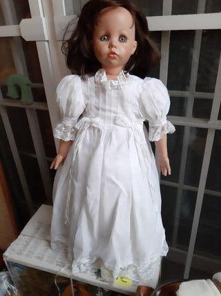 HERMOSA muñeca de Assi