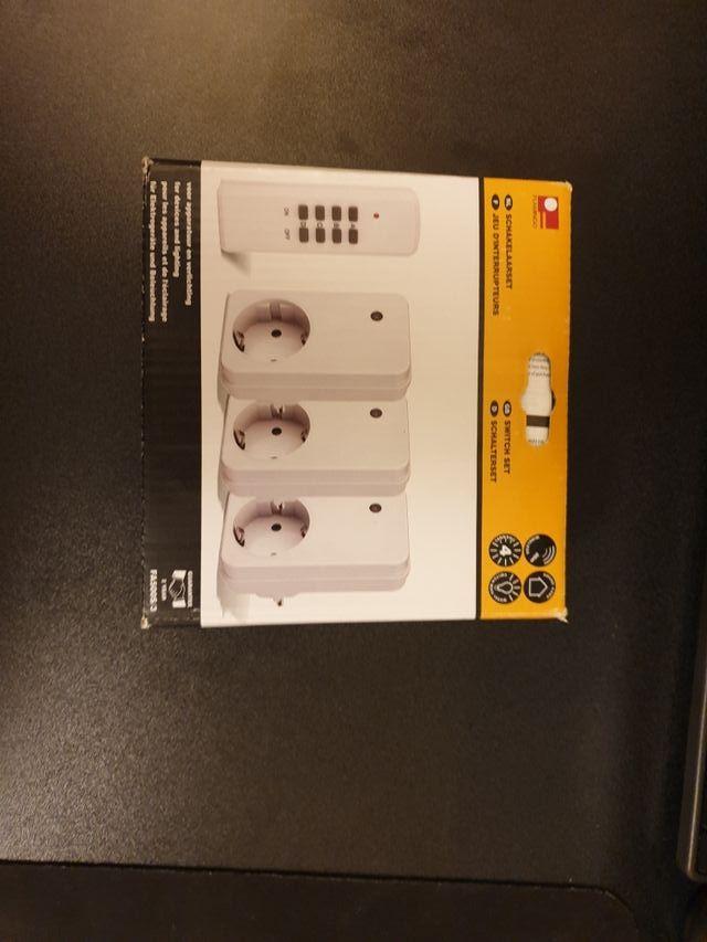 3 Enchufes inteligentes + mando (nuevos)