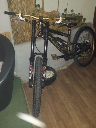 bici descenso scott