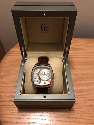 Reloj hombre marca Guess