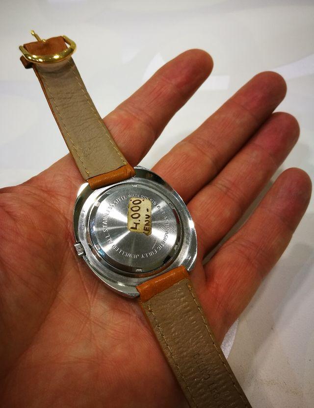 4bebb6df64f8 Reloj suizo mecánico nos de segunda mano por 70 € en Breda en WALLAPOP