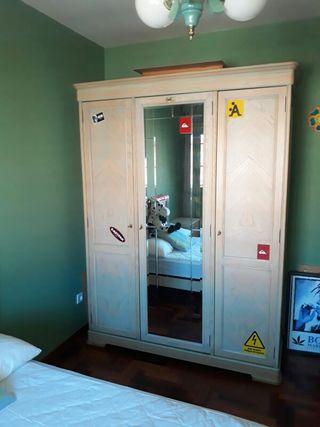 Dormitorio de pino macizo (en León)