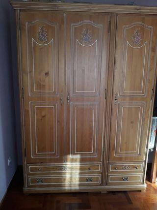 Dormitorio de cerezo macizo (en León)