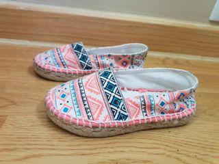 zapatillas nuevas OTC niña 24