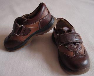 Zapatos de piel para niño Nº 23