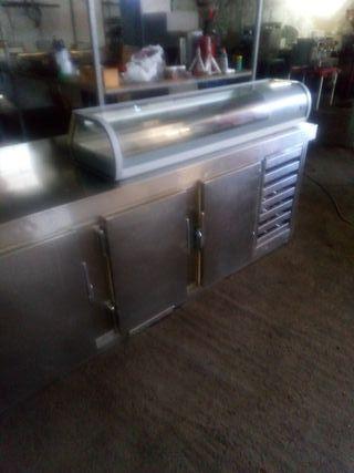 bajo mostrador mesa de frío