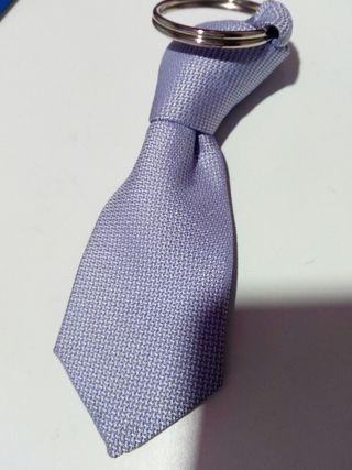 llavero corbata