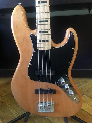 Squier Jazz Bass by Fender