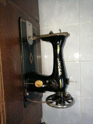 maquina de coser singer del año 45