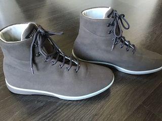 Zapatos bota Muroexe. Talla 44