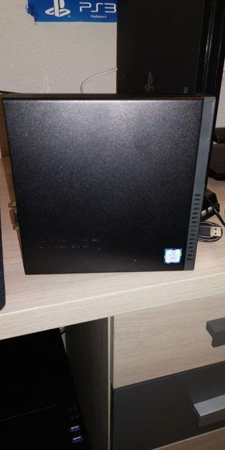 Ordenador de sobremesa Lenovo ThinkCentre Tiny