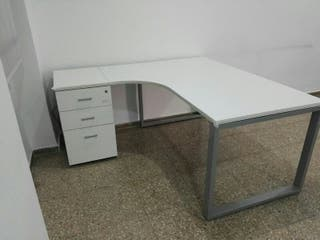 Mesa de despacho - escritorio.