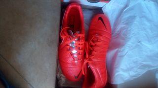 Zapatillas de Fútbol 11 y Fútbol Sala.