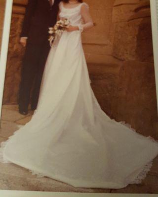 cd313469e Vestido de novia vintage de segunda mano en Barcelona en WALLAPOP