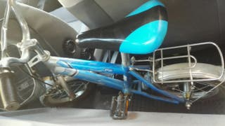 bicicleta infantil BMX de niño