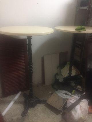 3 mesas altas de hierro forjado 20€ cada una
