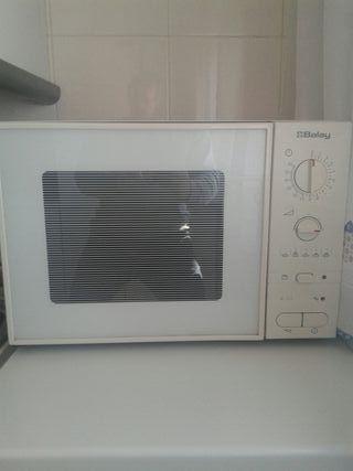 Microondas con grill grande