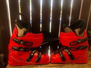 Esquis y botas de esqui