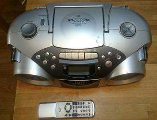Reproductor JVC, CD audio mp3, radio y cinta.