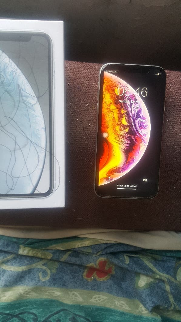 iPhone xr 64 gb unlocked