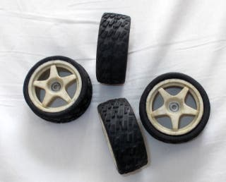 4 ruedas de rally , coche radiocontrol 1/10