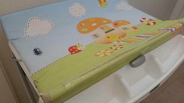 Bañera-cambiador con funda