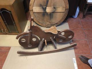 Moto balancín de Madera antiguo