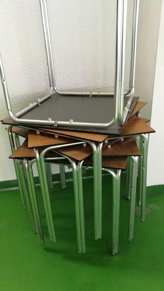 maquinarias y sillas y mesas