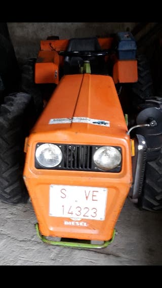 TRACTOR - AGRIA 9900-M