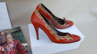 DOLCE GABBANA zapatos de piel TALLA 39 LUJO