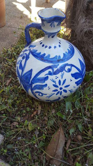 Jarron de ceramica antiguo