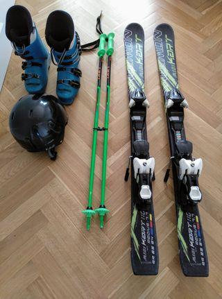 Esquís, botas y palos niño