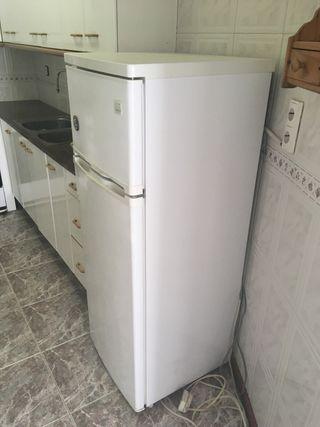 Nevera frigorifico daewoo FRB28WP