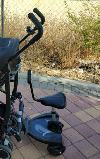 Patinete con asiento para carrito