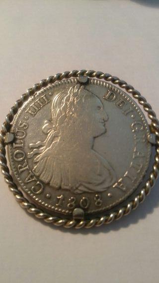 Broche moneda de plata de 8 Reales