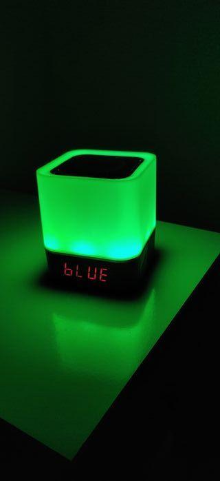 Altavoz bluetooth lámpara