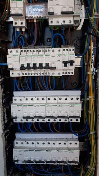 INSTALADOR ELECTRICISTA TLF. 673455413- 623113483