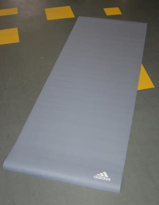 Adidas Esterilla Yoga 8 mm. Nueva color gris