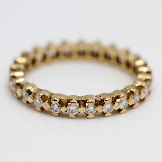 Alianza de oro con diamantes E330426A