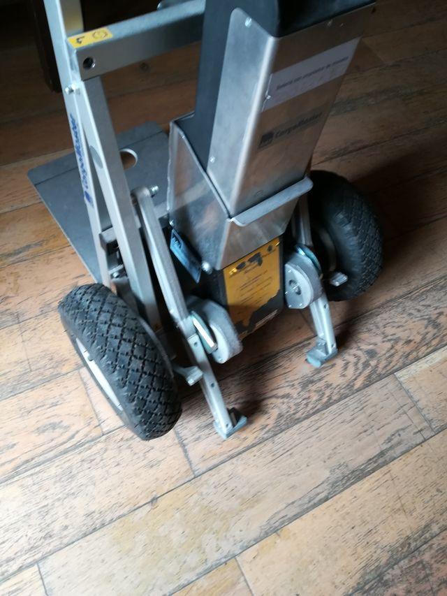 carretilla sube escaleras cargo máster a batería