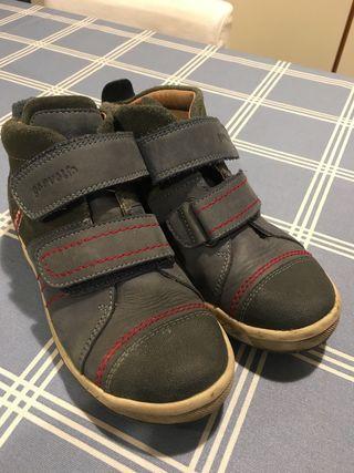 Zapatos Garvalin t.34