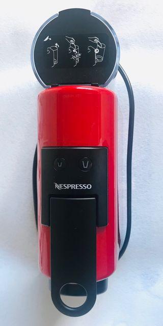 Cafetera Nespresso DeLongui Essenza Mini