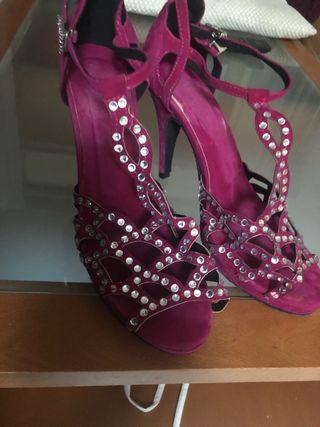 Zapato para bailes de salón.