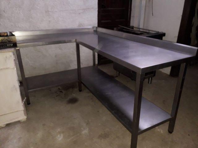 Mesa de trabajo de cocina industrial urge vender de segunda mano por ...