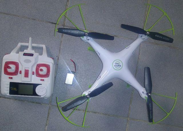 Dron SYMA X5HC