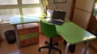 Mesa de escritorio esquinera