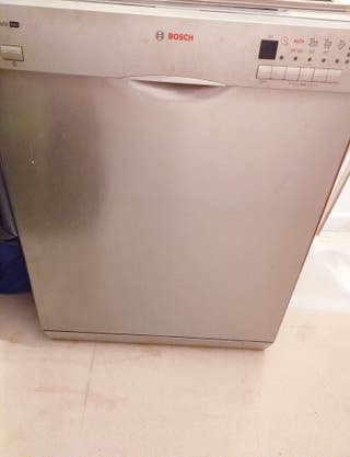 lavavajillas plateado URGE