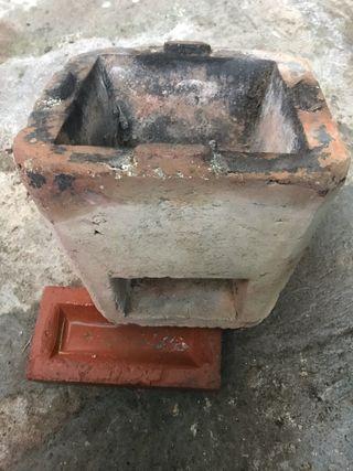 Pequeño quemador calentador a Leña, antiguo.