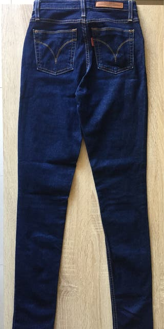 0d346c54e5 Pantalones para mujer de segunda mano en Vilagarcía de Arousa. Pantalón vaquero  tiro alto ...