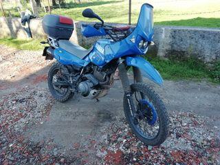 vendo Yamaha xt 600 o cambio